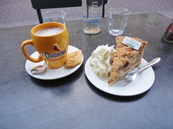 Dutch Apple Pie and Hot Chocolate